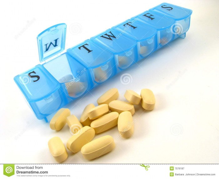 7_day_Pill_Box_V_4c9c583e9e5ce.jpg